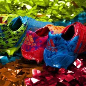 Ποδοσφαιρικά παπούτσια για το καρναβάλι από την Adidas!